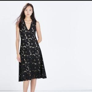 Zara midi lace flounce vlack / navy dress, size s